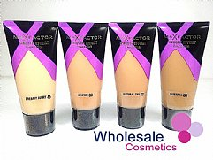 12 x Max Factor Smooth Effect Foundation 30ml - Assorted